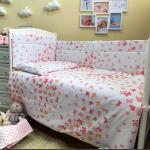 Бортик в кроватку Эдельвейс Бабочки, 10143 цвет: розовый